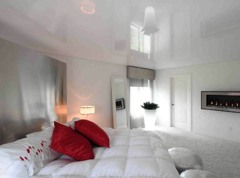 Натяжные потолки в спальне фото - Тканевые потолки.